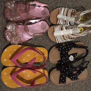 Bundle of (4) girls sandals 💜